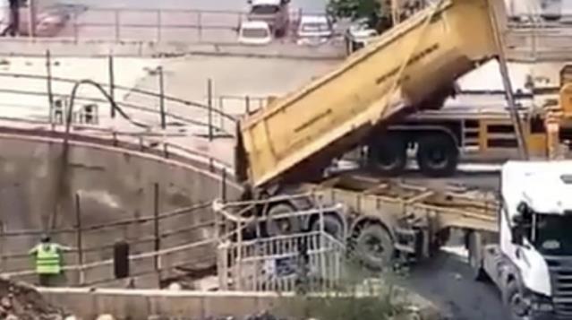 Metro inşaatı toprakla dolduruldu! İstanbul'da iktidar ve muhalefeti karşı karşıya getiren görüntü
