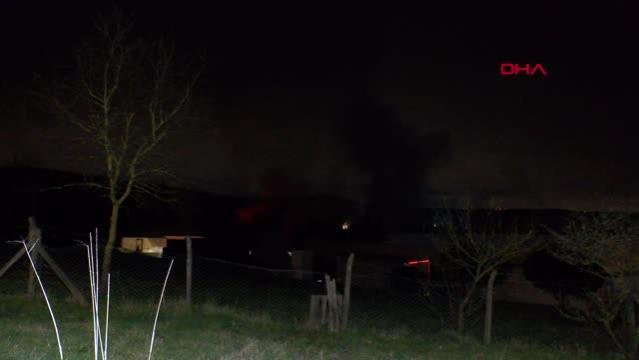 Son dakika: Çekmeköy'de gıda fabrikasında yangın(1)