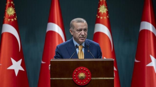 Son Dakika: Cumhurbaşkanı Erdoğan afet bölgesinde: Yangından etkilenen bölgelerde acil ihtiyaçları karşılamak için 50 milyon lira ödenek gönderildi