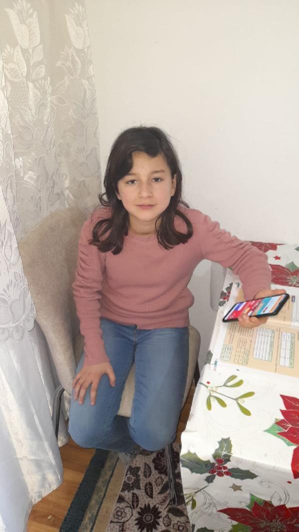 Son dakika! Derslerini telefondan takip eden Liva Nur, para dolu cüzdanı polise teslim etti