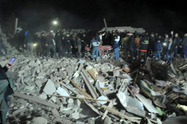 Son dakika! Ermenistan, Azerbaycan'ın Gence ve Mingeçevir kentlerini füzelerle vurdu! Enkaz altında kalanlar var