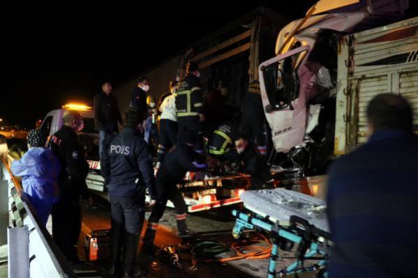 Son dakika haber! Afyonkarahisar 5 araçlık zincirleme kazada 2 yaralı