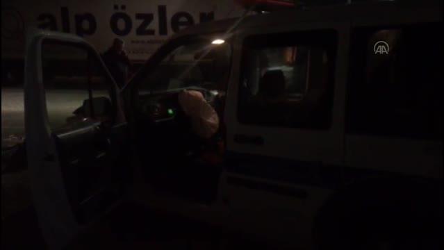 Son dakika haberi... Dur ihtarına uymayan sürücü, otomobiliyle polis aracına çarpınca yakalandı