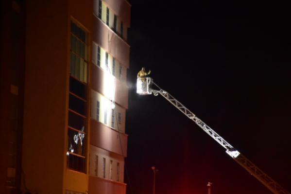 Göçmen geri gönderme merkezinde korkutan yangın (2)