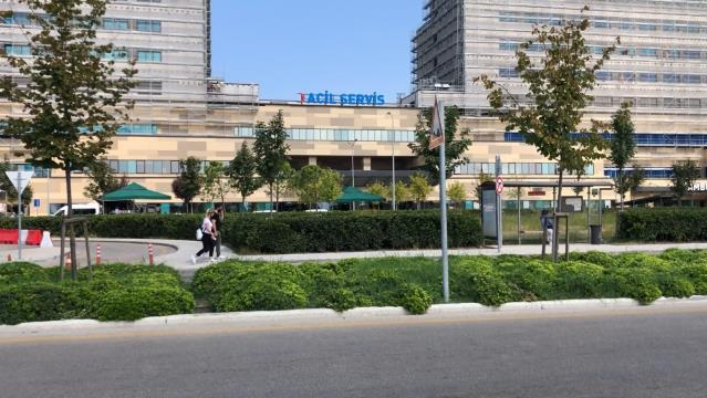 Son dakika haberleri: Poliklinik önünde ambulans bekleyen yaralı kadın öldü, vatandaşlar isyan etti