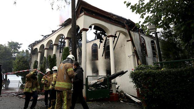 Tarihi Vaniköy Camisi'ndeki yangına ilişkin soruşturma başlatıldı