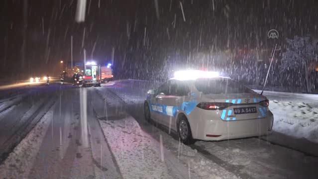 2 ayrı trafik kazasında 4 kişi yaralandı