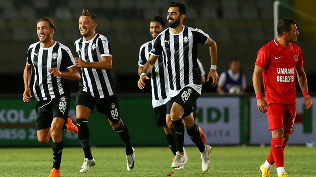 24'ü futbolcu 34 korona vakası tespit edilen İzmir ekibi Altay'ın maçı ertelendi