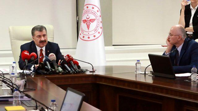 Bakan Koca, Türkiye'nin koronavirüsle mücadelesini eleştirenlere İngilizlerin yayınıyla yanıt verdi