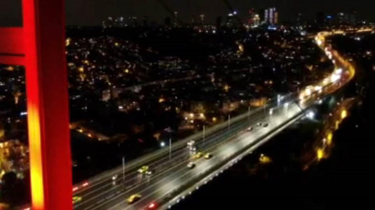 Bu işte bir terslik var! Sokağa çıkma kısıtlaması başladı, 15 Temmuz Köprüsü'nde trafik yoğunlaştı