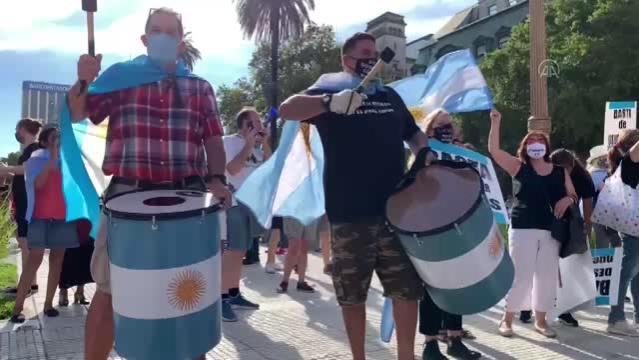 BUENOS AIRES - Arjantin'de ayrıcalıklı Kovid-19 aşı uygulaması hükümet karşıtı gösterilere neden oldu