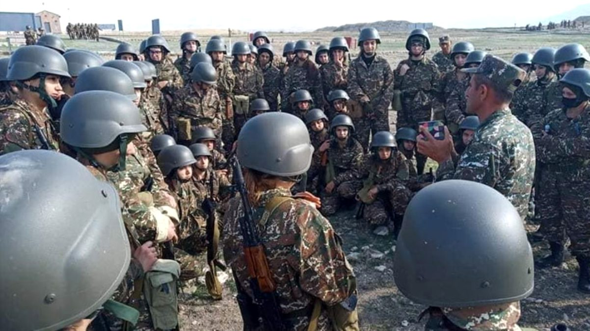 Ermenistan ordusu, kadın askerleri Dağlık Karabağ cephesine gönderdi