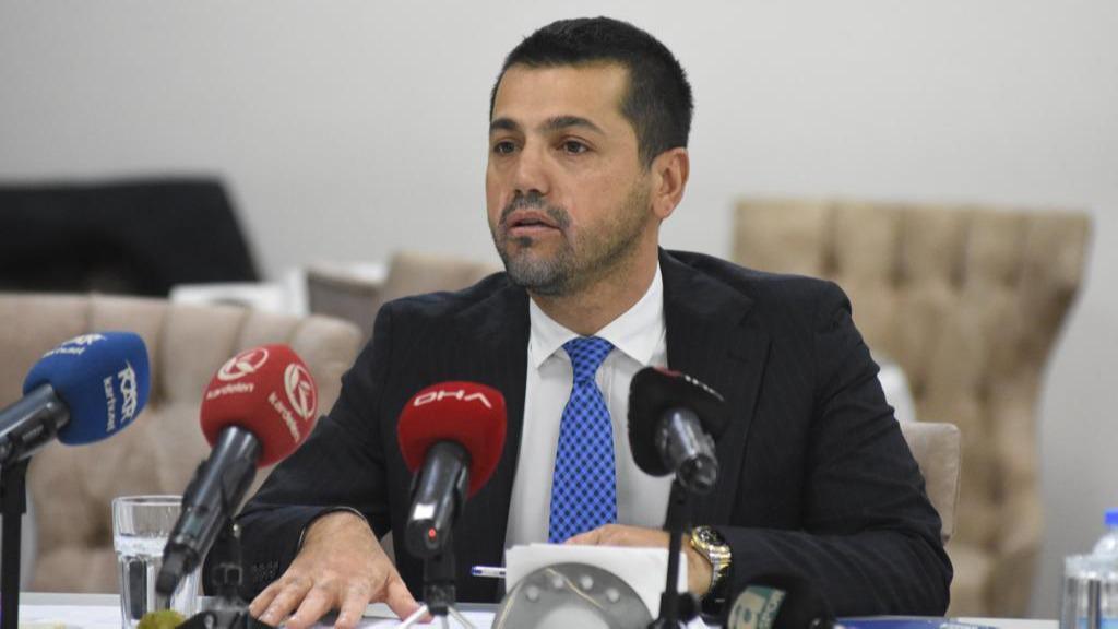 Erzurumspor Başkanı Hüseyin Üneş'ten duygusal veda