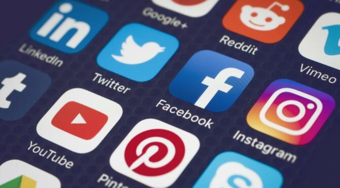 Facebook, Twitter ve Youtube'a algoritma baskısı