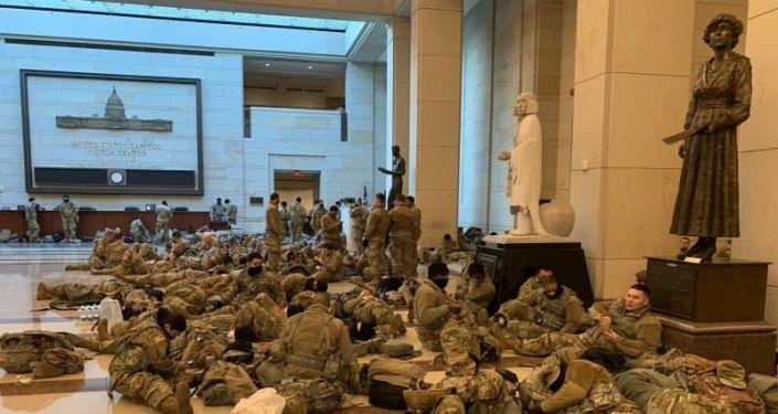 FBI, Washington'daki tüm Ulusal Muhafızları güvenlik taramasından geçiriyor: İçeriden saldırı ihtimali