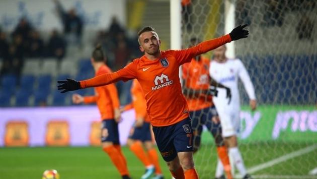 Fenerbahçe, Başakşehirli Edin Visca'yı istedi