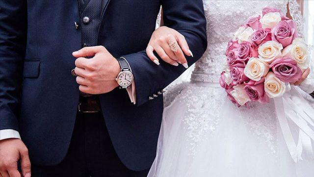 İzmir'de iki düğünde koronavirüs vakaları tespit edildi! Filyasyon ekipleri çalışmalara başladı