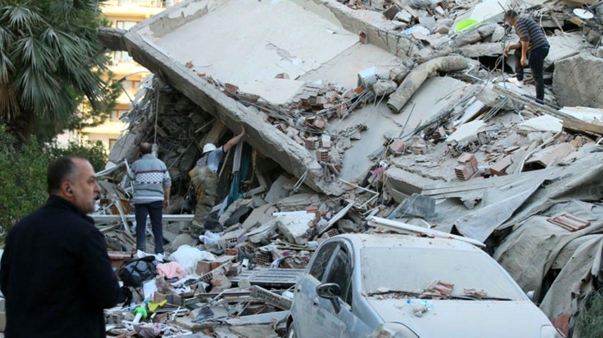 İzmir Tabip Odası Genel Sekreteri'nin eşi ve 2 çocuğu, depremde enkaz altında kalarak yaşamını yitirdi