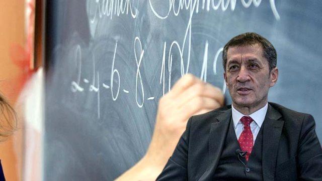 Milli Eğitim Bakanı Selçuk'tan öğretmenlere ek ders ücreti müjdesi
