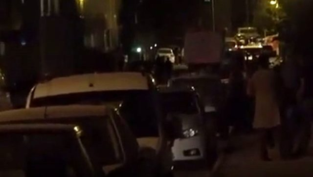 Niğde'de meydana gelen deprem sonrası vatandaşlar sokağa döküldü