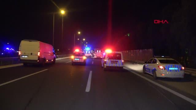 Otomobilin çarptığı kamyonet takla atıp alev aldı: 1'i ağır, 2 yaralı