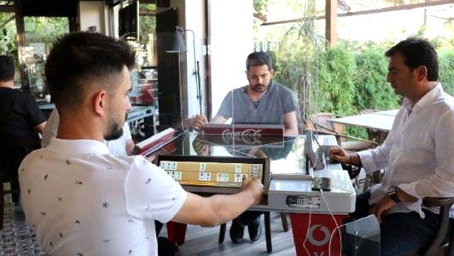 Salgını fırsata çeviren girişimci koronavirüs önlemli dijital oyun masası üretti
