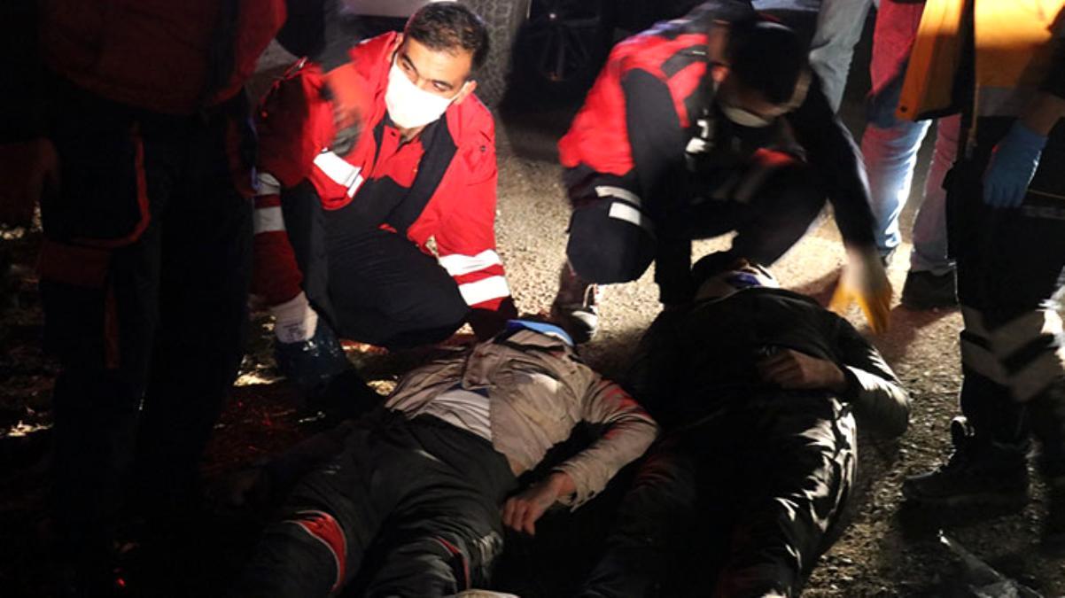 Sığınmacıları taşıyan kamyonet, polisten kaçarken devrildi: 17 yaralı