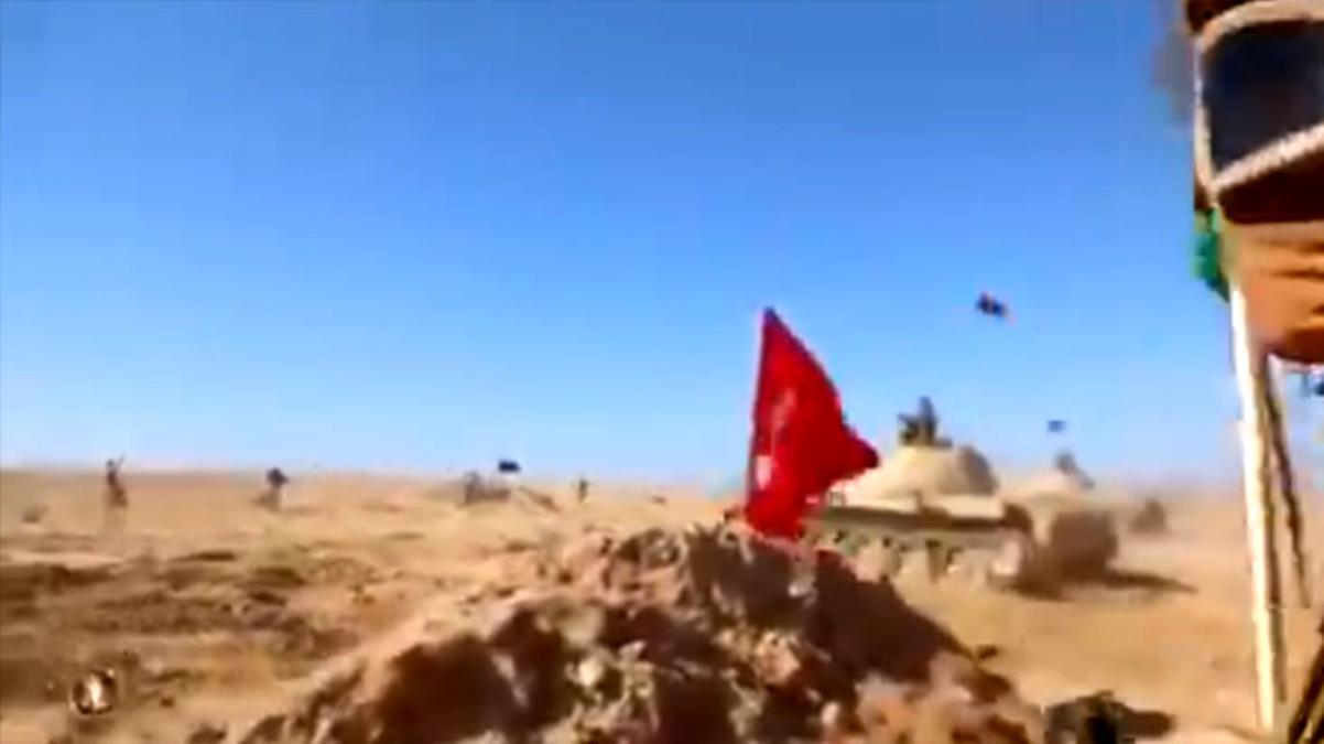 Skandal görüntüler! Hafter güçlerinin tatbikatında Türk bayrağı hedef olarak kullanıldı