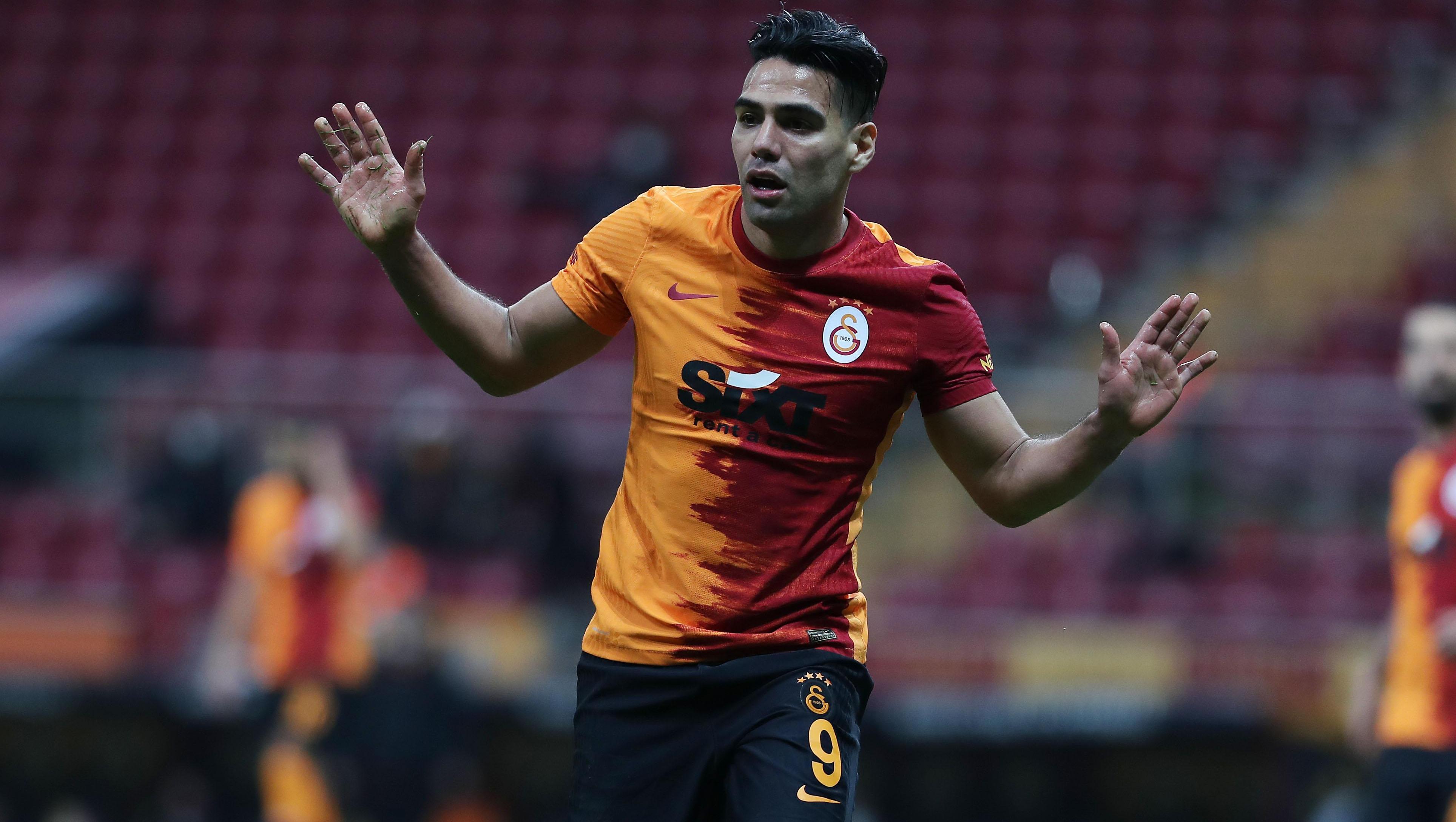 Son dakika: Galatasarayda Falcao depremi! 45te girdi, 75te