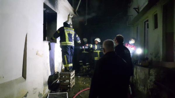 Son dakika haberi: Önce kendi evini, ardından akrabalarının evini ateşe verdi