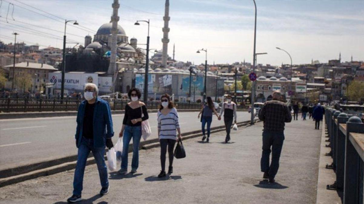 Son Dakika: Sağlık Bakanı Koca: İstanbul, Bursa, Kocaeli, İzmir, 3'üncü zirveyi yaşıyor