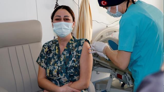 Türkiye'nin Kovid-19 aşı programındaki başarısı dünya gündeminde