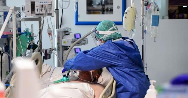 Yoğun Bakım Hemşireleri Kovid-19 Hastalarıyla Yaşadıklarını Unutamıyor