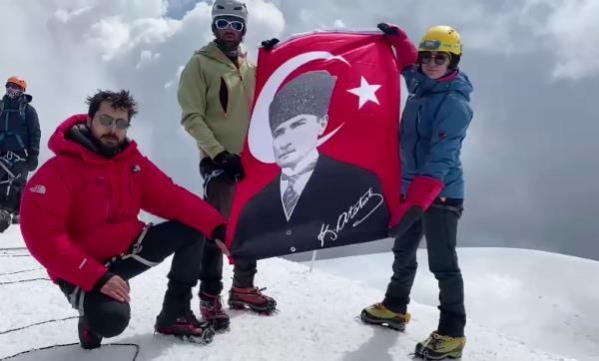Türk dağcılardan Gürcistan'da 'Zafer Tırmanışı'