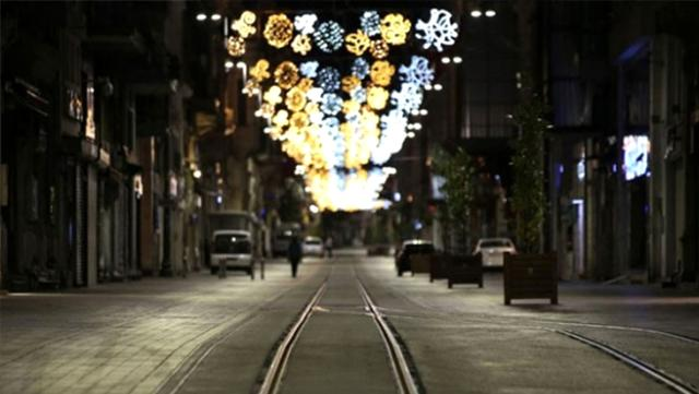 Türkiye genelinde uygulanan sokağa çıkma kısıtlaması sabah 05.00'a kadar sürecek