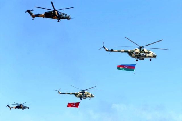 Türkiye ve Azerbaycan'dan gözdağı! Savaş sahnelerini aratmayan tatbikat