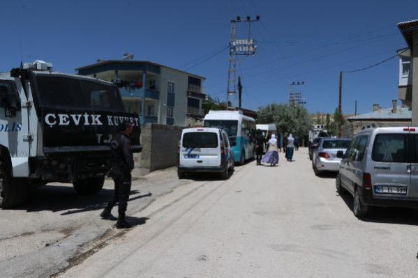 Van'da köpeklerin saldırdığı 6 yaşındaki Ruken öldü