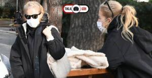 Burcu Esmersoy Koronavirüs Nedeniyle Parkta Toplantı Yaptı