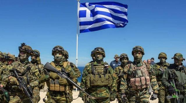 Yunanistan'da kara kuvvetleri için zorunlu askerlik 9 aydan 1 yıla çıkarılıyor